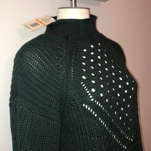 ❤️New! Evergreen mock turtleneck ONE A sweater Sm